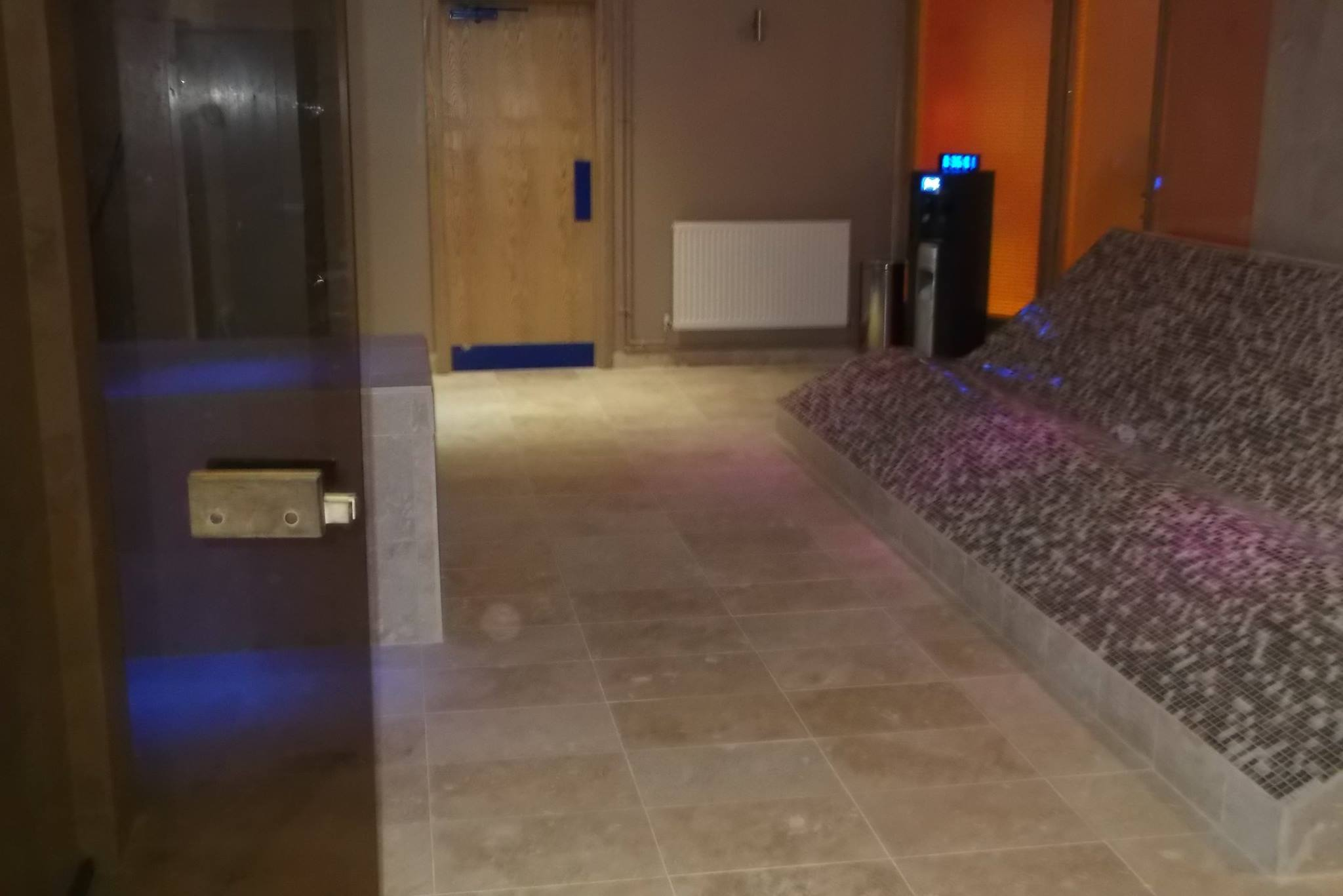 Quest sauna steam room